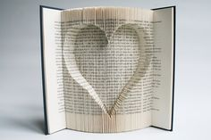 Book Folding Tutorial - Inverted Heart                                                                                                                                                                                 Mehr