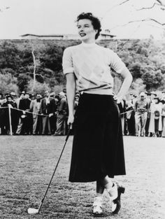 Golf Fashion Vintage American actress Katharine Hepburn - in 'Pat And Mike', directed by George Cukor, (Photo by MGM Studios/Archive Photos/Getty Images) - Will the back nine ever be as glamorous again? Margaret Sanger, Katharine Hepburn, Golf Attire, Golf Outfit, Cary Grant, Vintage Golf, Vintage Ladies, Churchill, Golf Photography