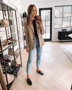 Look Blazer, Blazer With Jeans, Casual Blazer, Denim Jeans, Black Jeans, Black Blazer Outfits, Levis Skinny Jeans, Jeans Pants, Blazer Outfits For Women