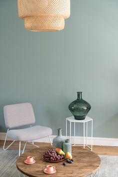 Le vert sauge est LA nouvelle couleur tendance et on craque complètement ! Decor, Interior, Boho Room Decor, House Interior, Home Deco, Home Decor Vases, Wall Design, Living Decor, Trendy Home