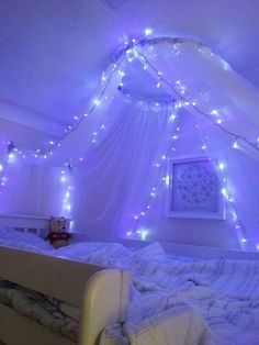 35 Fantastic Led String Lights Decor Girls Bedroom Diy Decorating diy room decor for girls