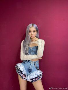 South Korean Girls, Korean Girl Groups, Rose Queen, Social Media Updates, Rose Photos, Park Chaeyoung, Blackpink Jisoo, Kim Jennie, Yg Entertainment