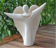 Engel Vivas. Engelfigur aus Keramik mit Goldrand. www.engeltraum.ch