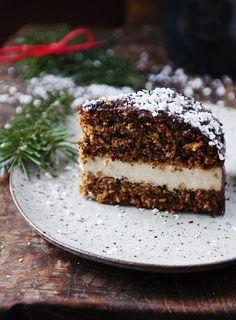 Vegan poppy seed cake with millet pudding and chocolate Poppy Seed Cake, Veggie Recipes, Veggie Food, No Bake Desserts, I Love Food, Tiramisu, Veggies, Pudding, Sweets