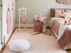 Discover the new washable rugs Lorena Canals. Childrens Bedroom Decor, Kids Bedroom, Lorena Canals Rugs, White Cushions, Pink Stars, Cozy Room, Girl Room, Family Room, Toddler Bed