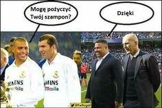 Zinedine Zidane i Ronaldo - szampon do włosów • Mogę pożyczyć Twój szampon? Dzięki • Oto suchar na dziś • Wejdź i zobacz memy piłkarskie #zidane #ronaldo #football #soccer #sports #pilkanozna #futbol #sport #memy #memes