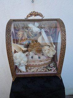 Coffret-globe-de-mariee-depoque-Napoleon-III-Vitrine-de-mariage-19eme