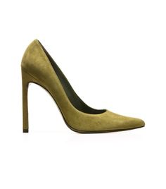 QUEEN | Stuart Weitzman Shoes. Heels. Stilettos. Pumps. Pointy toe. Fashion. Style. Chic. Sexy. #alittleobsessedwithshoes Suede. Amazing Suede. Trend. Fall. FW14. SHOP NOW: http://sweitzman.com/QUEEN-PISELLI