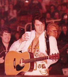Elvis Presley Concerts, Elvis Presley Photos, King Of Music, Graceland, Memphis, Rock And Roll, Photo And Video, Stage, Tennessee