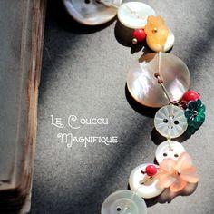 Collane lunghe - Collana lunga con bottoni e decorazioni vintage - un prodotto unico di LeCoucouMagnifique su DaWanda