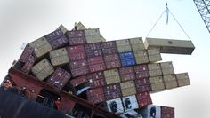 Off Loading the Containers from the stricken Container ship Rena