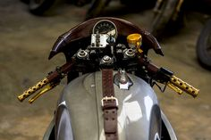 Cafe Racer, custom and classic motorcycles from around the globe. Featuring the world's top builders of custom motorcycles and Cafe Racers since Yamaha Cafe Racer, Moto Cafe, Cafe Racer Build, Cafe Racers, Bmw Scrambler, Brat Bike, Cafe Racer Motorcycle, Motorcycle Garage, Motorcycle Design