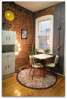 Ytterligare en tegelvägg som stämmer. Wall brick texture kitchen colors bold moody