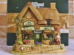 Lilliput Lane .. THE PENNY FARTHING.. Beaminster - Dorset .. ILLUMINATED