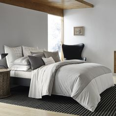 Dress your bed in Ellen style with the urbane ED Ellen DeGeneres Greystone Duvet Cover. Menswear-inspired and as comfortable as your favorite shirt, the sophisticated bedding boasts a tonal ivory yarn-dye stripe and a wide panel of grey yarn-dye. Best Bedding Sets, Luxury Bedding Sets, Comforter Sets, King Comforter, Queen Duvet, Luxury Bedrooms, Ellen Degeneres, Cheap Bed Sheets, Single Duvet Cover