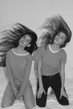 Joanna & Sarah Halpin von Drew Wheeler, - - Foto Home Photos Bff, Best Friend Photos, Photos Tumblr, Best Friend Goals, Friend Pics, Best Friend Photography, Cute Friend Pictures, Cute Friends, Best Friends Forever