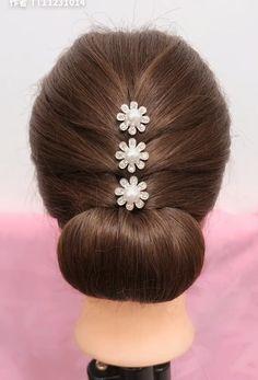 Beautiful enchanting buns hairstyles Beautiful enchanting buns h… - All For Hairstyles DIY Easy Hairstyles For Long Hair, Wedding Hairstyles, Beautiful Hairstyles, Formal Hairstyles, Bun Short Hair, Buns For Long Hair, Beach Hairstyles, Bun Hairstyles For Long Hair, Men's Hairstyle