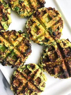 Savory Zucchini Waffle Fritters made with simple ingredients for an easy paleo recipe! Paleo Zucchini Fritters, Zucchini Waffles, Paleo Waffles, Veggie Fritters, Savory Waffles, Pumpkin Waffles, Waffle Maker Recipes, Healthy School Snacks, Healthy Foods