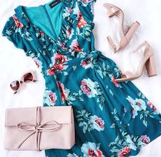 Whether you're feeling sweet or sassy, the Mink Pink Pretty Primrose Teal Blue Floral Print Wrap Dress can handle it all! Wrap dress has ruffles and tulip sleeves. Look Fashion, Fashion Outfits, Womens Fashion, Cheap Fashion, Dress Fashion, Winter Fashion, Fashion Check, Fashion 2016, Fashion Spring