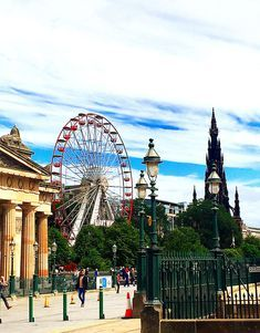 15 Edinburgh, Scotland travel mistakes to avoid so that you can make the most of your Scottish adventure.