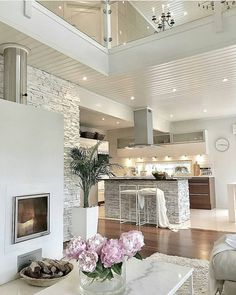 Beautiful modern home design. Get inspired to makeover your home with this warm and charming interior design. Küchen Design, Design Case, Dream Home Design, House Design, Decorating Your Home, Interior Decorating, Interior Design Career, Inspire Me Home Decor, Style At Home