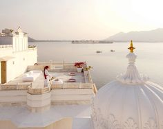 Taj Lake Palace am Pichola See in Indien