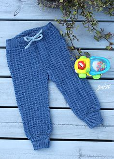 Ravelry: Grombuksa pattern by Gitte Bettina Lauridsen - GNIST Ravelry, Little Girls, Baby, Trousers, Sweatpants, Crochet, Pattern, Fashion, Shirt Blouses