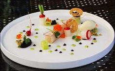 Chasse au trésor, on réunit tous les indices à grignoter ! ;) (Restaurant Pfefferschiff Staff & Friends) L'art de dresser et présenter une assiette comme un chef de la gastronomie... http://www.facebook.com/VisionsGourmandes Ou sur le site pour profiter d'autres rubriques… http://visionsgourmandes.com . > Photo à aimer et à partager ! ;) #gastronomie #gastronomy #chef #presentation #presenter #decorer #plating #recette #food #dressage #assiette #artculinaire