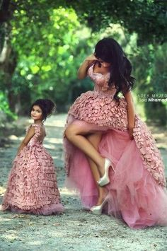 Beautiful Ball Gown Abendkleider Event Mother Daughter Matching Dresses For Party Lange Avondjurk Sexy Long Evening Dress 2015 Mother Daughter Photos, Mother Daughter Fashion, Future Daughter, Mother And Daughter Dresses, Mother Daughters, Mother Mother, Flower Girls, Flower Girl Dresses, Pink Dresses