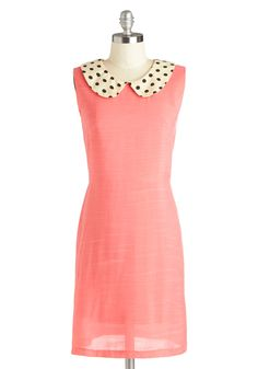 *Swoons* Another dress that speaks me! Not only do I adore the polka-dot Peter Pan collar, but Im crazy about the fit of dress. Queen of Dalmatians Dress, Unique Dresses, Modest Dresses, Short Dresses, Pink Dresses, Pretty Dresses, Vestidos Vintage Retro, Retro Vintage Dresses, Love Clothing, Coral