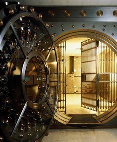 Atm Cash, Cash Box, Credit Card Services, Safe Deposit Box, Safe Vault, Sci Fi City, Vault Doors, Puerto Rico History, Banks Vault