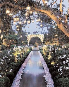 magical wedding on We Heart It http://weheartit.com/entry/78909807/via/IsabellaMMora