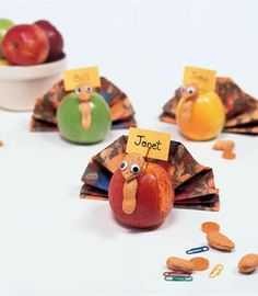 50 Thanksgiving Place Card Crafts & Projects {Saturday Inspiration and Ideas} - bystephanielynn