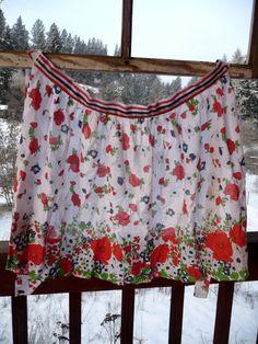 Vintage Apron - Flower Apron - 1970s Apron