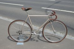 Brand new BLB Classic-R Frame in champagne combined with some real vintage parts from Brooks, Titan and Sugino! : Project Bike