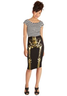 A Very Hip Engagement Skirt. From the upbeat tunes to the array of friendly faces, this is one hip party, and your anatomical pencil skirt only adds to the vibe. #black #modcloth