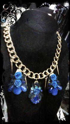 Collar Gota azul-acrílicos-tela-metal-strass-cadena dorada