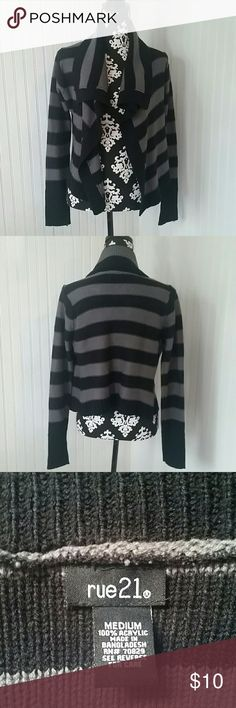 Rue21 striped sweater Black and gray striped sweater Rue21 Sweaters Shrugs & Ponchos