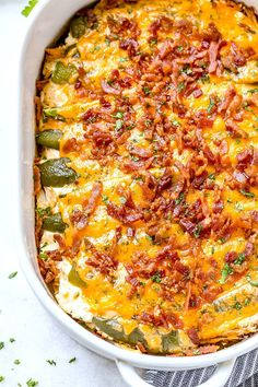 Jalapeño popper chicken casserole So quick and easy. Everyone will love this delicious chicken casserole recipe! Jalapeño popper chicken casserole So quick and easy. Everyone will love this delicious chicken casserole recipe! Yummy Recipes, Healthy Recipes, Mexican Food Recipes, Low Carb Recipes, Cooking Recipes, Yummy Food, Fall Recipes, Seafood Recipes, Tasty