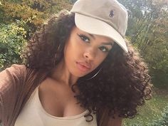Image about girl in B E A U T Y by Mademoiselle Hair Inspo, Hair Inspiration, Selfie Foto, Curly Hair Styles, Natural Hair Styles, Hair Laid, Natural Curls, Natural Beauty, Curly Girl