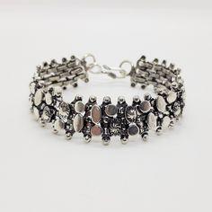 """Armband """"Maleko""""  Breite ca. 19 mm  Länge ca. 20,5 cm  Hakenverschluss  Versilbert  Unisex #JOY #Einzelstücke #Armband #Armschmuck #versilbert #schmuck #bracelet #silverplated #jewelry #jewellery #bijoux #unisex #unisexe #Einzelstück #pieceunique #Geschenk #Geschenkidee #gift #cadeau #vatertagsgeschenk #Muttertagsgeschenk #valentinstagsgeschenk #Geburtstagsgeschenk #Hochzeitstag #Weihnachten #freudeschenken #fashion #style #love #außergewöhnlich #sehenswert #mensfashion #schmuckliebe… Fathers Day, Beaded Bracelets, Gift Ideas, Gifts, Collection, Jewelry, Unisex, Man Jewelry, Bangle Bracelet"""