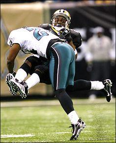 9813674d4 Tim Layden  The brutal collision of bodies is football s lifeblood ...  Reggie Bush