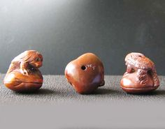 Carved & Signed BOXWOOD TURTLE MAN & CLAM Bead 4128DM - Premium Bead