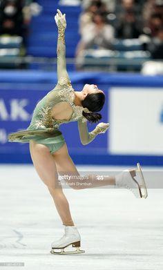 ニュース写真 : Rika Kihira competes in the Ladies Single Free. Figure Skating Costumes, Figure Skating Dresses, Hockey Girls, Gymnastics Girls, Yoga Pants Girls, Athletic Girls, Body Poses, Action Poses, Female Poses
