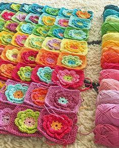 Transcendent Crochet a Solid Granny Square Ideas. Inconceivable Crochet a Solid Granny Square Ideas. Crochet Flower Squares, Crochet Squares Afghan, Crochet Quilt, Granny Square Crochet Pattern, Crochet Flower Patterns, Crochet Mandala, Crochet Blanket Patterns, Crochet Flowers, Crochet Stitches
