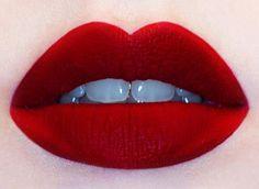 J'aimerais sa avoir cette couleur là de rouge à lèvre ! so lovely!