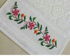 Beaded Cross Stitch, Cross Stitch Borders, Cross Stitch Flowers, Cross Stitch Designs, Cross Stitch Patterns, Palestinian Embroidery, Crochet Bedspread, Flower Designs, Sewing Crafts