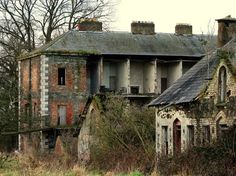 """""""Abandoned House and it appears that belongings are still inside."""""""