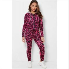 PINK 2 PCS CAMOUFLAGE TRACKSUIT  -Women Fashion Tracksuit Hooded Tracksuit with Long Sleeve - Slim Fit Elasticated -Makes you looks chic, stylish, vibrant - Elasticated Drawstring with Cord - Classy high quality fabric, - Breathable, skin-friendly, comfortable to wear.  Occasion: Suitable for casual, leisure, daily wear, vacation, club, date, family gathering, jogging, homecoming, shopping. Pink Camouflage, Looks Chic, Daily Wear, Fashion Outfits, Womens Fashion, Jogging, Swatch, Cord, Cable