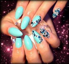 tiffany blue almond nails with bling Fabulous Nails, Gorgeous Nails, Hot Nails, Hair And Nails, Pointy Nails, Super Nails, Nail Swag, Blue Nails, Nails Turquoise